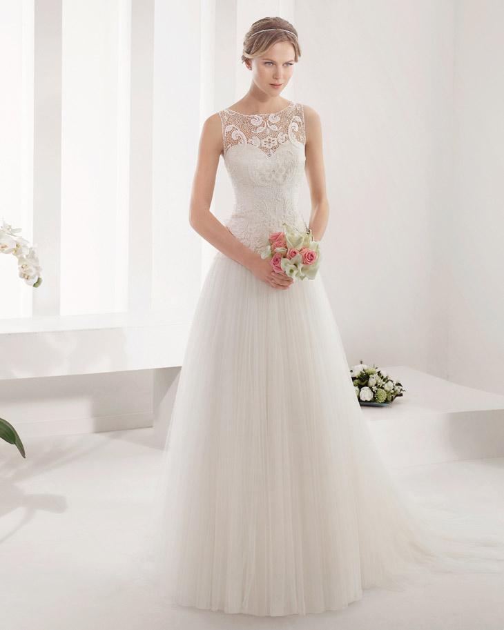 Brudekjole med fin blonde og tyl overdel