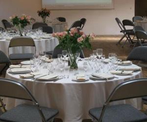 Runde borde med blomster