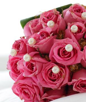 Brudebuket i pink med perler