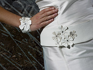 brudekjole med blomster