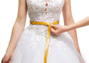 Måltagning af brudekjole
