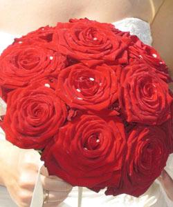 brudebuket af store roser