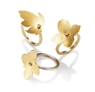 blomst i sølv og grønlandsk 18 karat guld