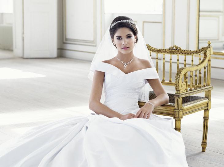 purewhite brudekjole bådudskæring