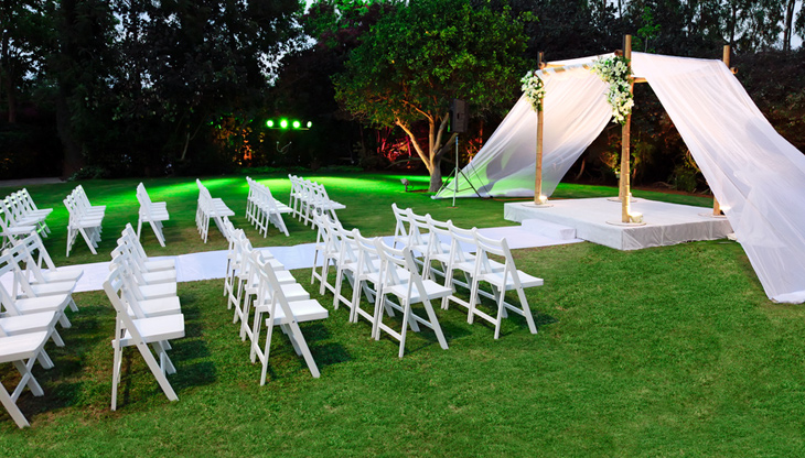 stole og overdækket alter alternativt bryllup