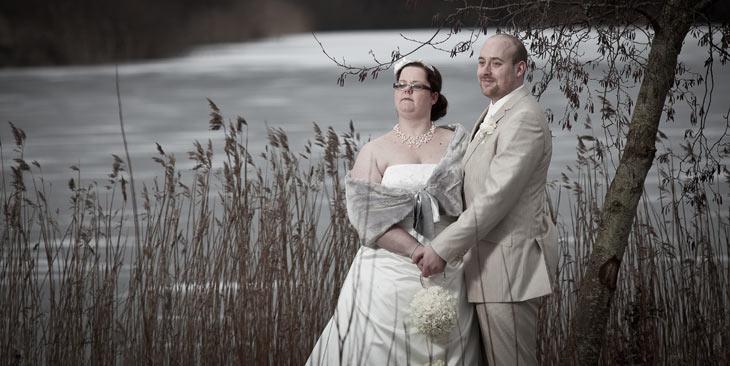 brudepar vinterbryllup