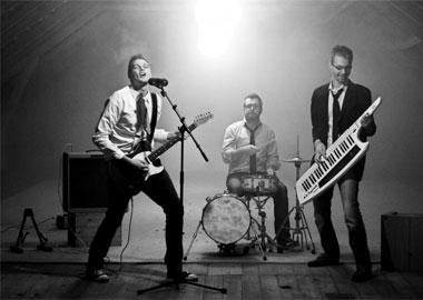 Trio der spiller til fest