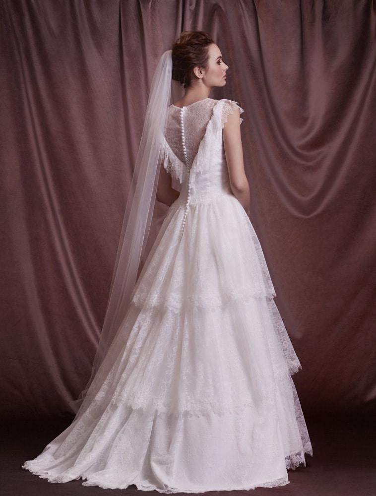 brudekjole med v-effekt bagpå