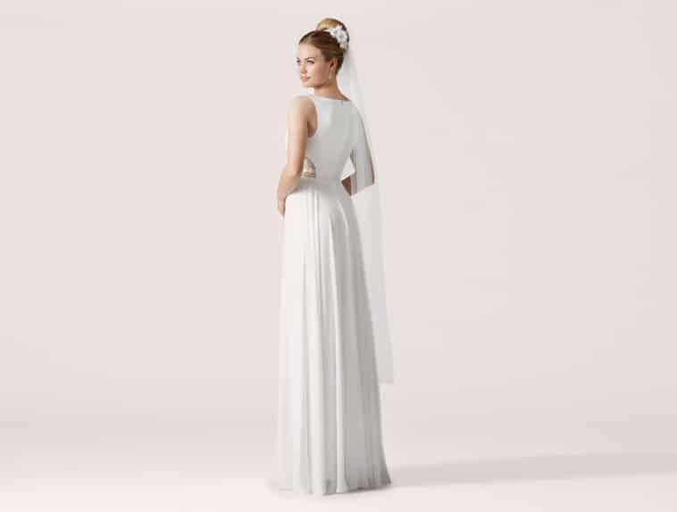 brudekjole med blødt fald