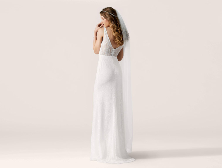 brudekjole v udringning ryg