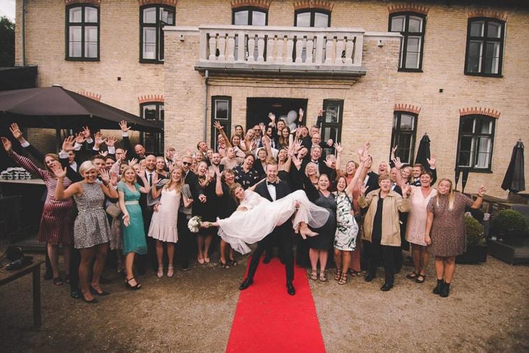 brudepar og deres gæster