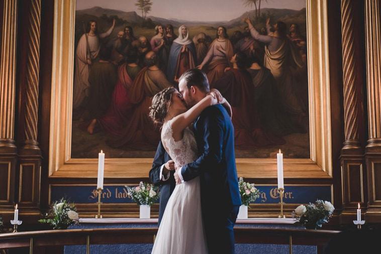 brudepar i kirke