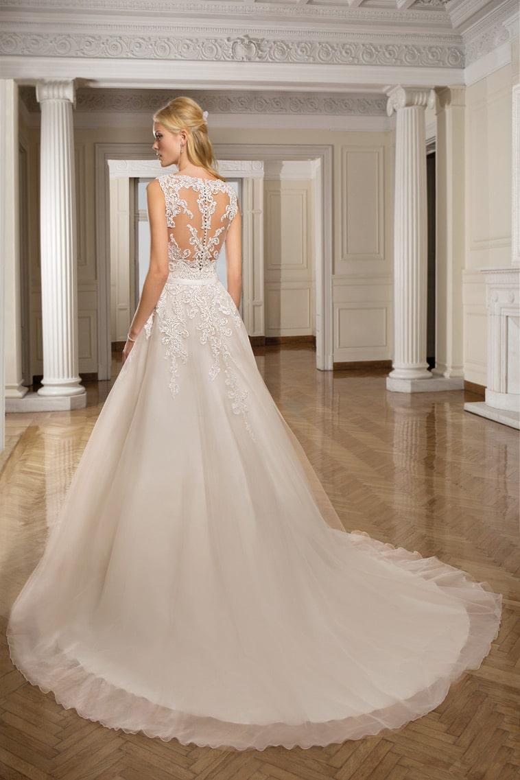 brudekjole med flot ryg