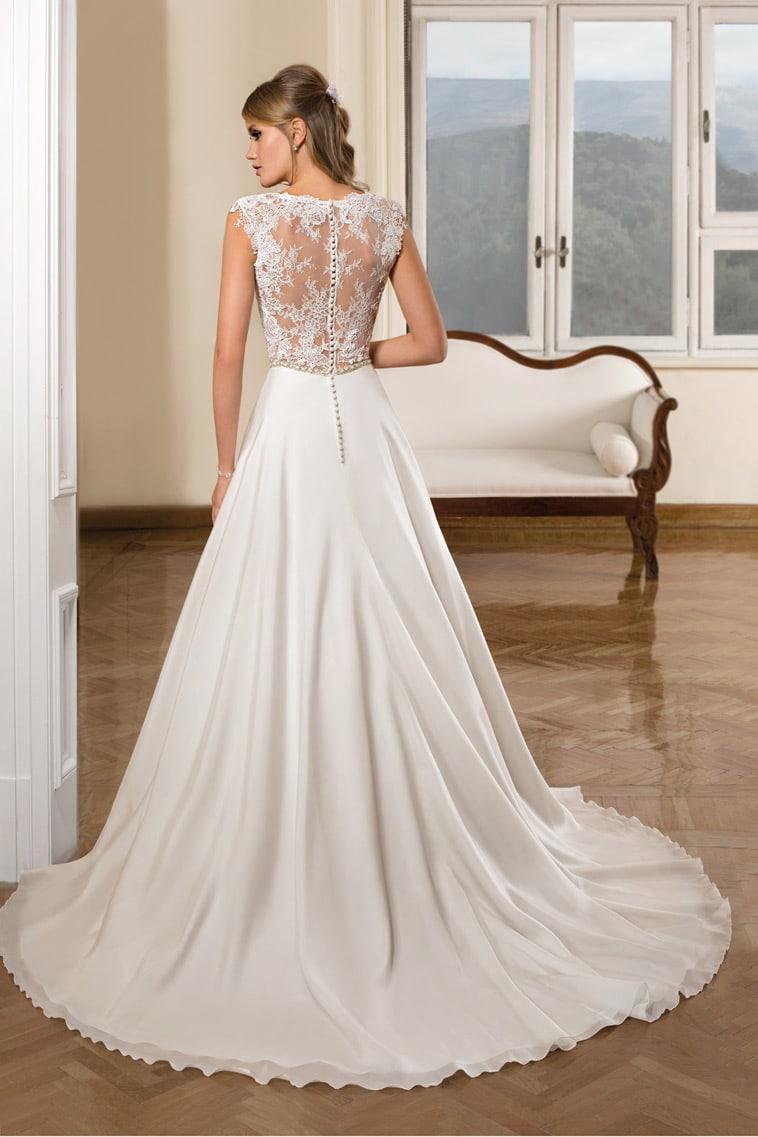 brudekjole med fin blonde ryg