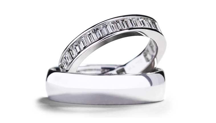 Alliancering med 38 baguette-slebne diamanter