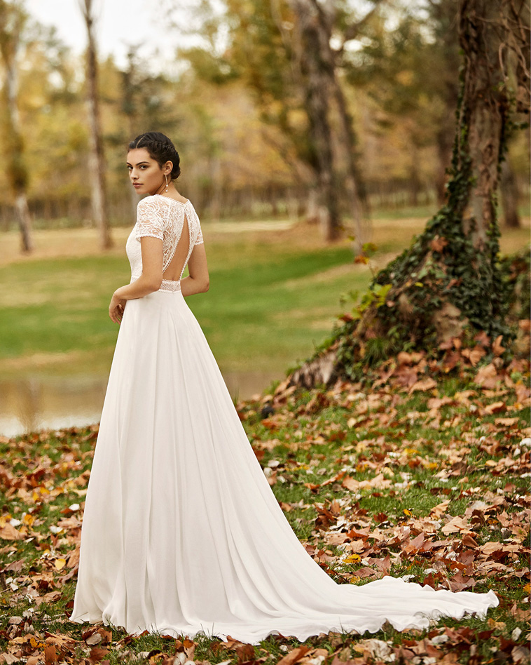 brudekjole med lav ryg
