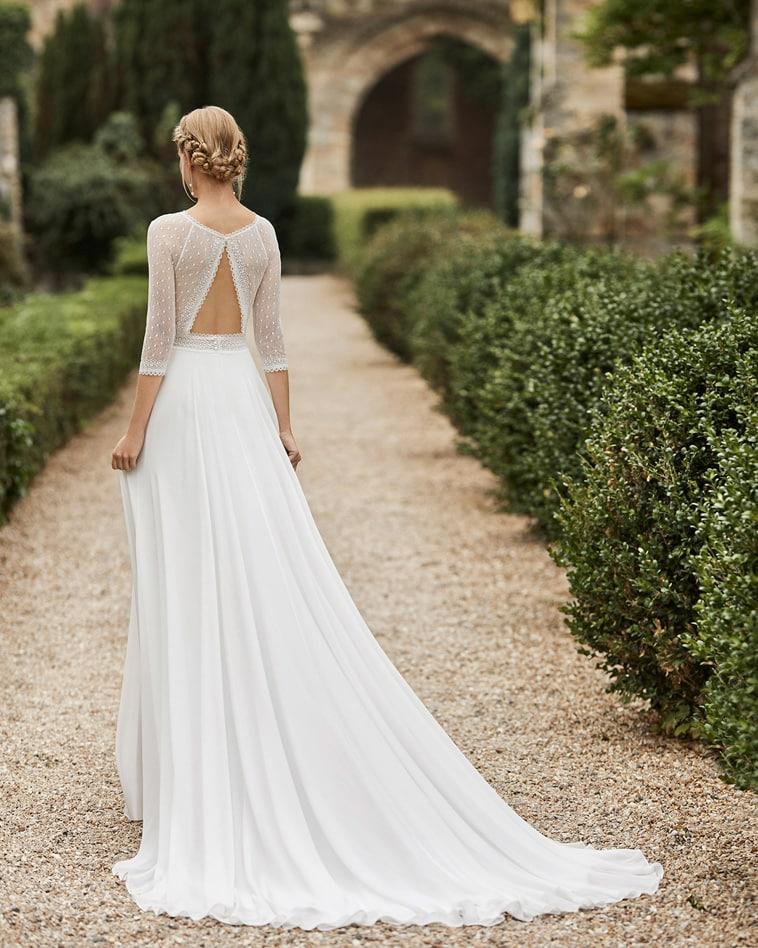 brudekjole med prikkede tyl ærmer