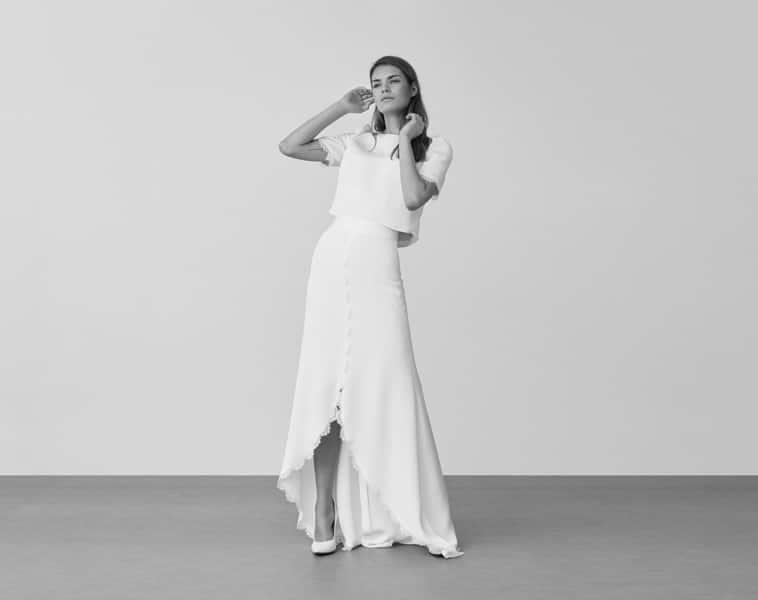 brudekjole korte ærmer og kort foran