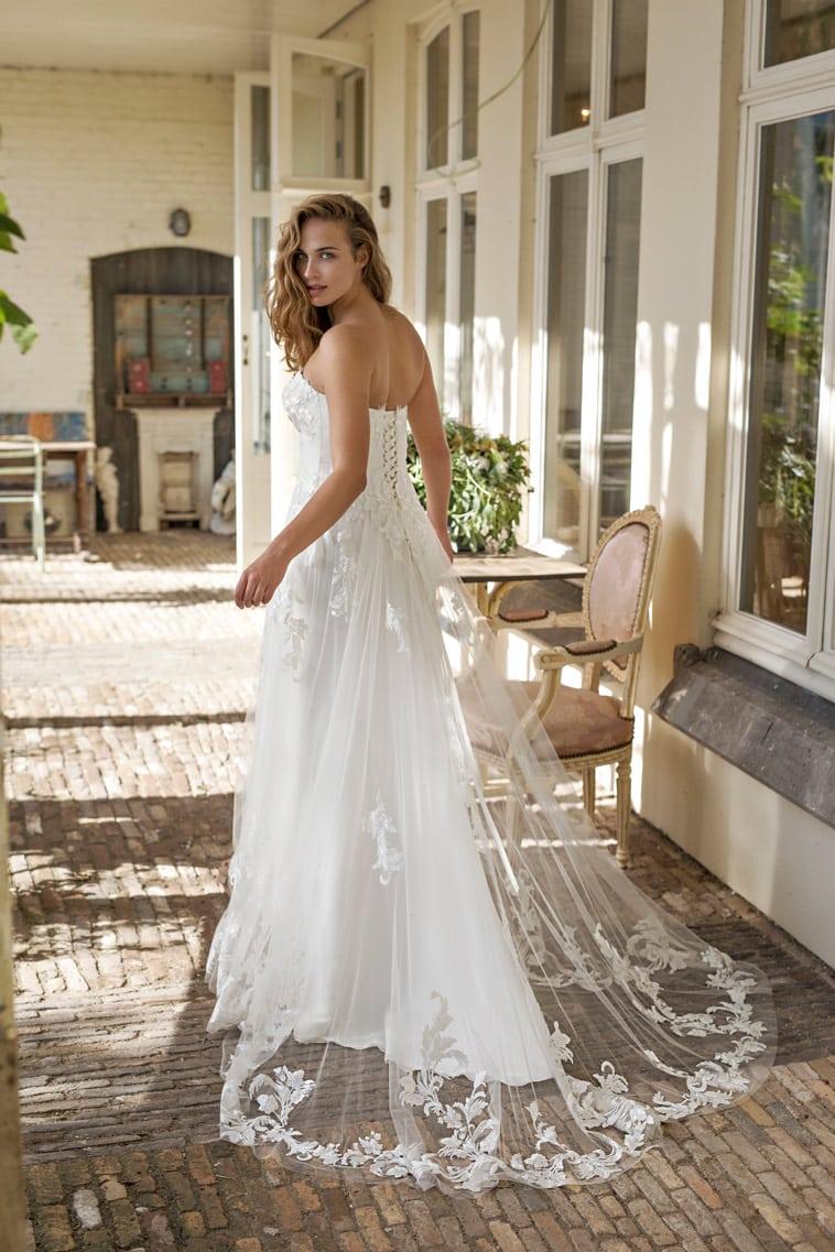 brudekjole snøre ryg