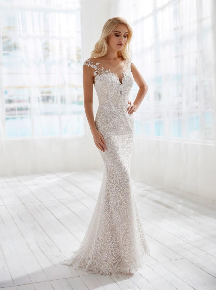 blonde brudekjole med nude tyl
