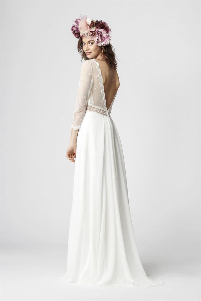 brudekjole med dyb v udskæring på ryggen