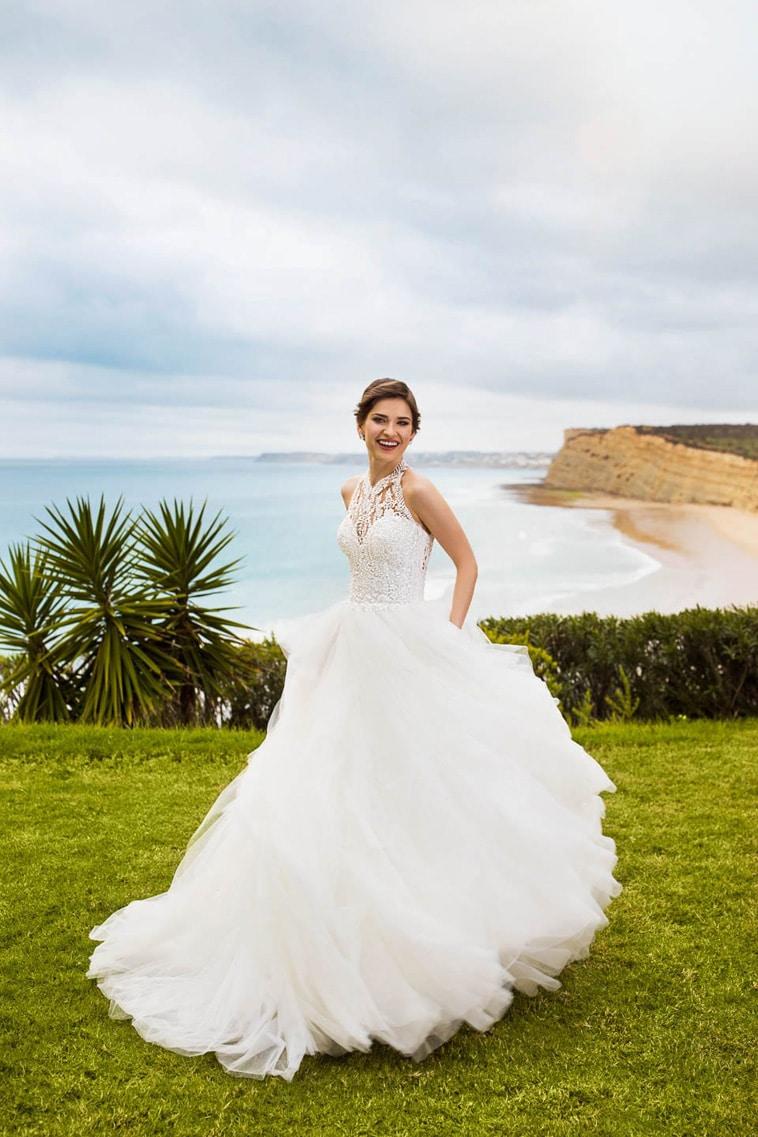 ball gown brudekjole med kæmpe tyl skørt