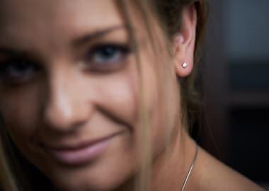 Kvinde med smykker