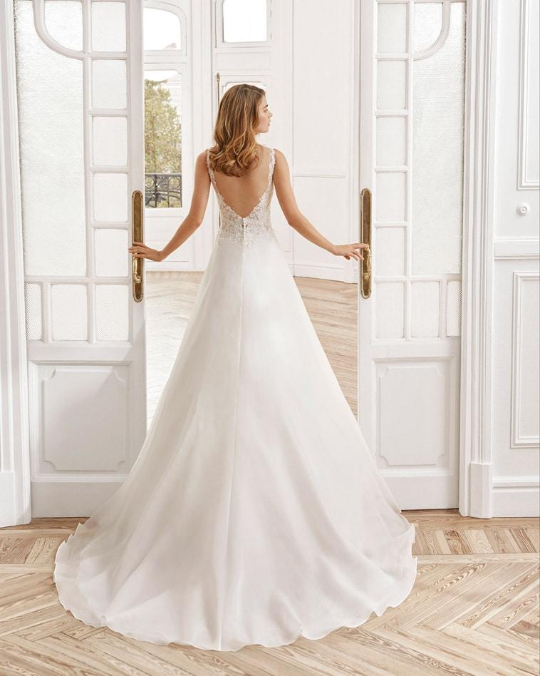 Brudekjole med blonde overdel og organza skørt