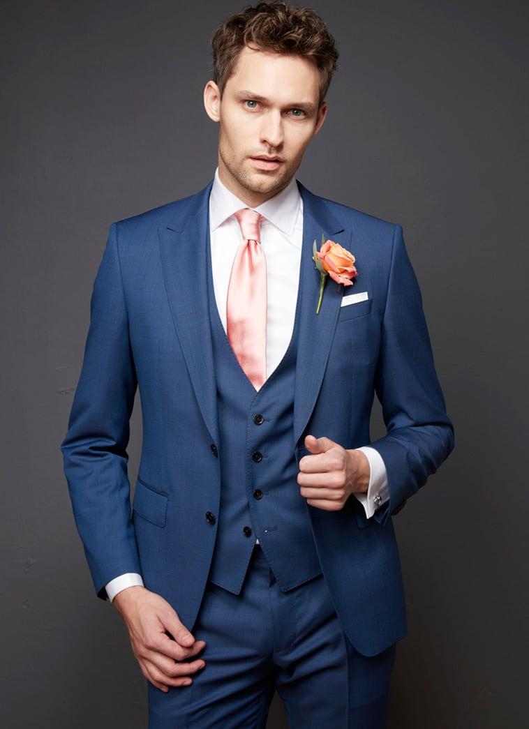 blåt-jakkesæt