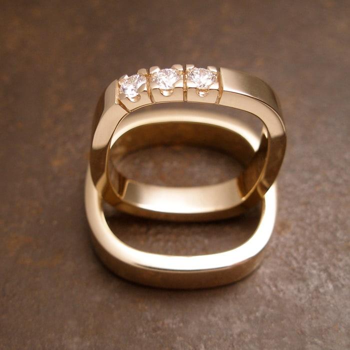 blanke kantede vielsesringe guld