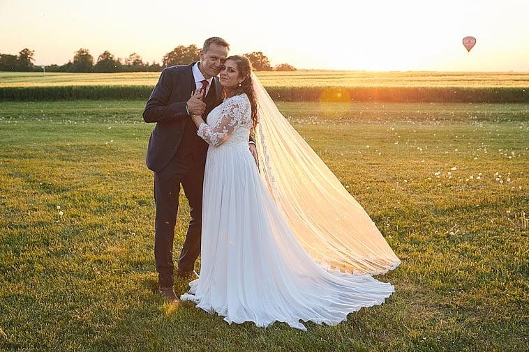 brudepar-i-solnedgang