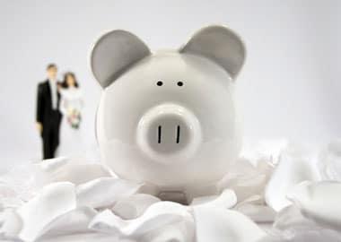 Brudepar med penge