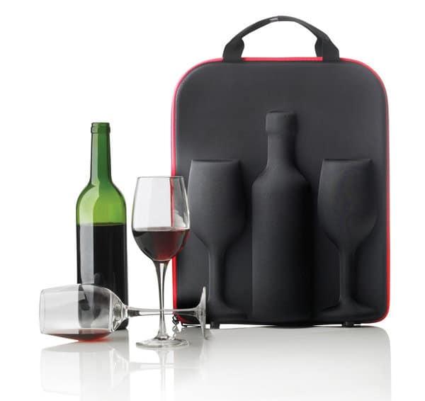 vinkøler og vinflaske og vinglas