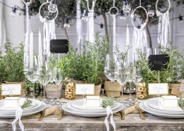 Dækket bryllupsbord