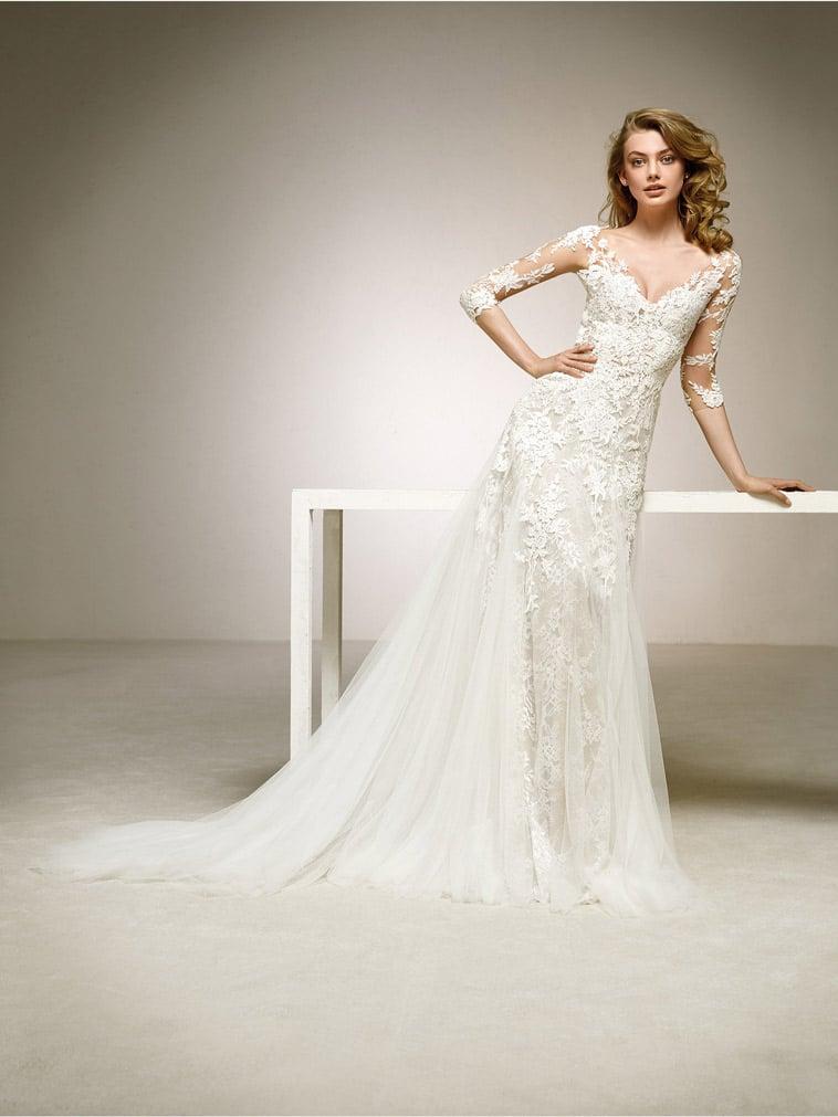 blonde brudekjole med 3/4 lange ærmer