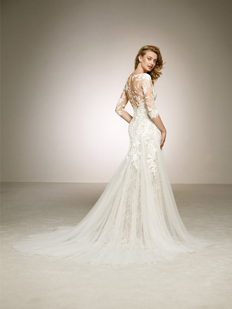Brudekjole med 3/4 lange ærmer