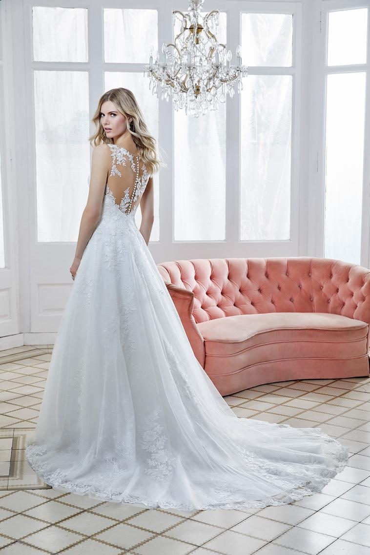 A-line brudekjole med illusion overdel og blomster blonder