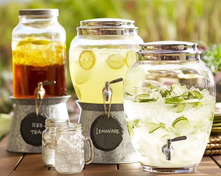 drikke dispenser og maison jar