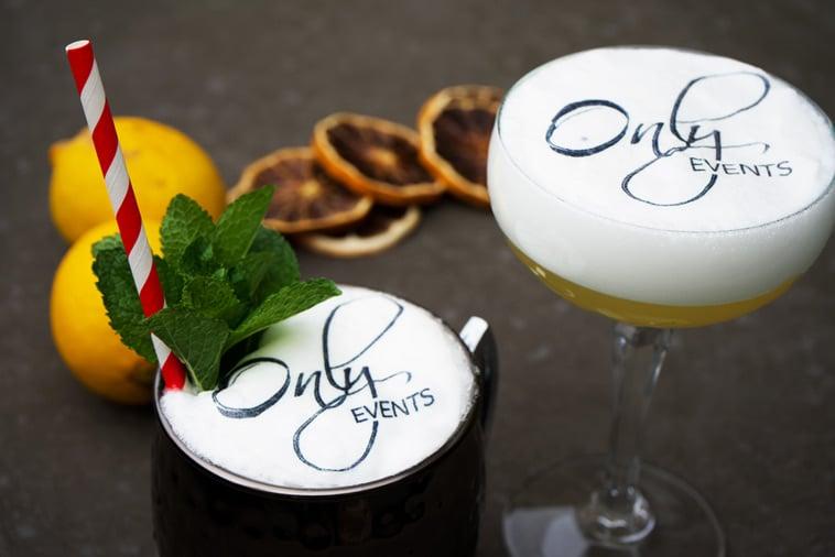 Flotte cocktails med logo