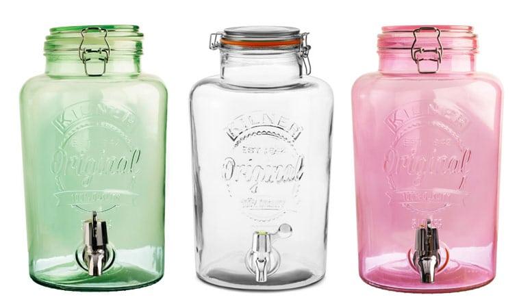 Grøn, gennemsigtigt og rosa farvet drinks dispensere