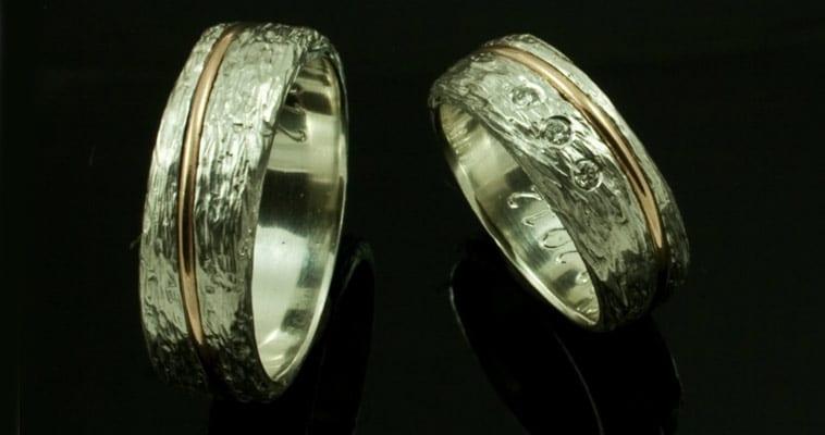 Sølvringe med guldbånd