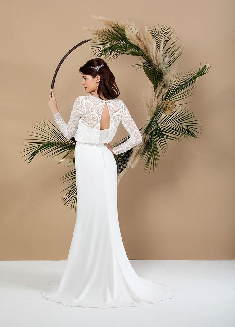 Brudekjole med to-delt effekt og lange blonde ærmer
