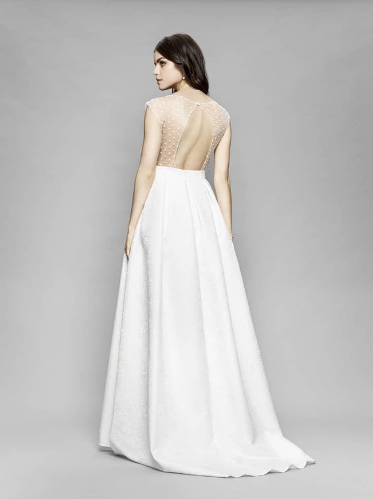 brudekjole med gennemsigt ryg