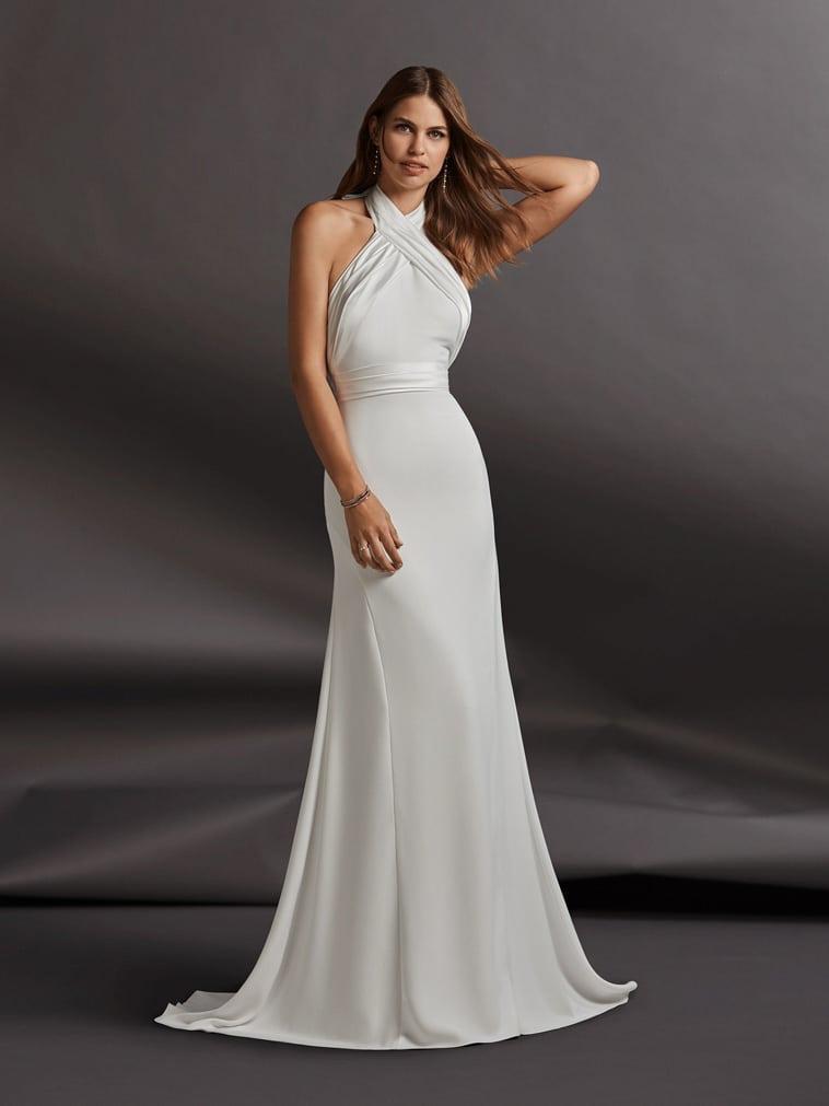 Etui brudekjole i draperet satin med bånd der bindes om nakken