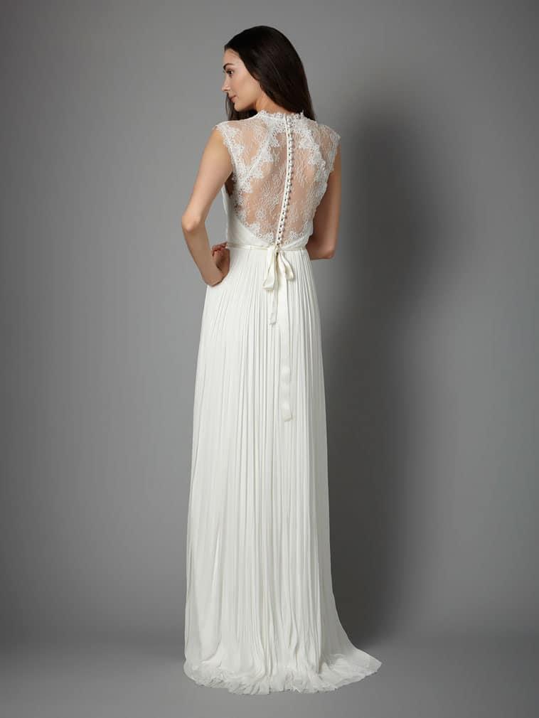 brudekjole med blonde ryg og små knapper bagpå