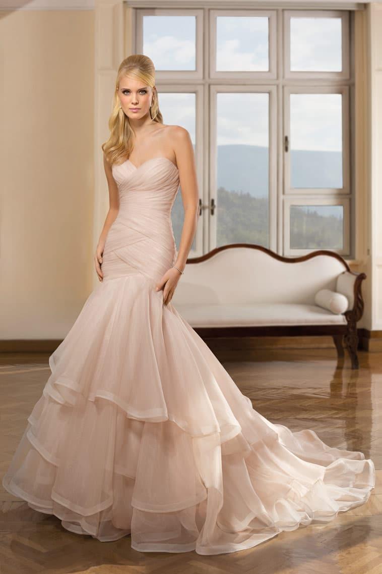 pudderfarvet brudekjole med havfrue snit