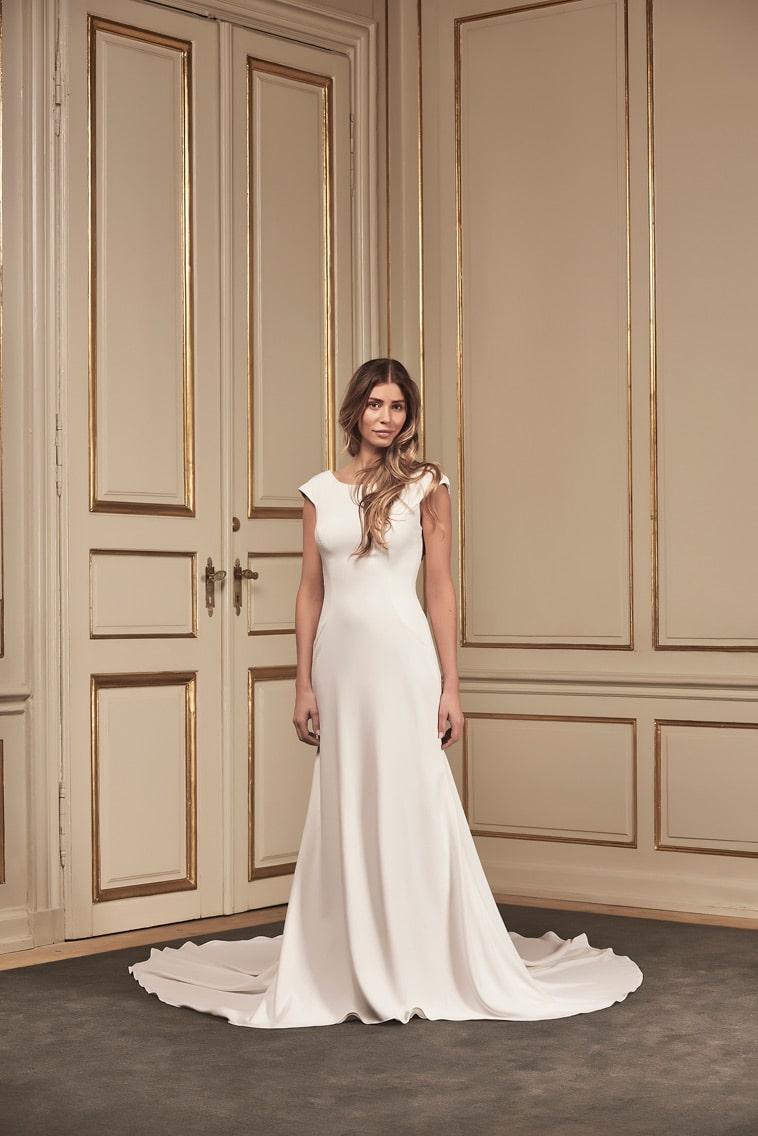 enkel hvid brudekjole
