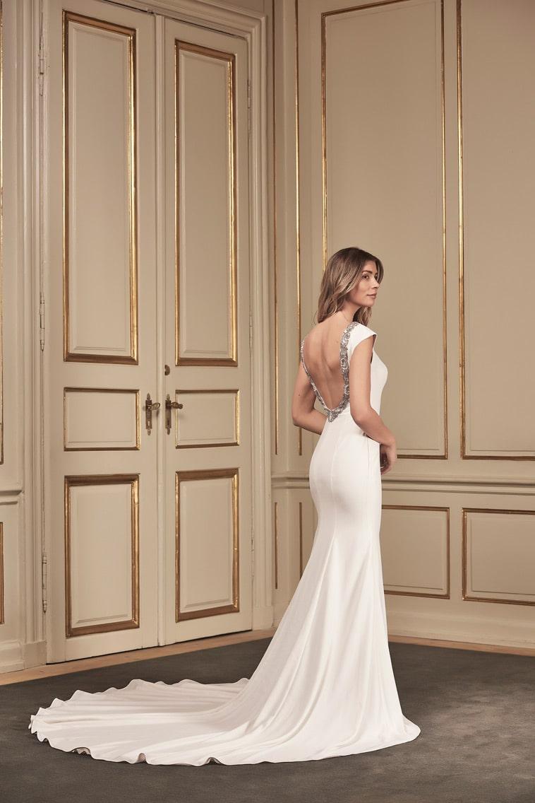 brudekjole med bar ryg