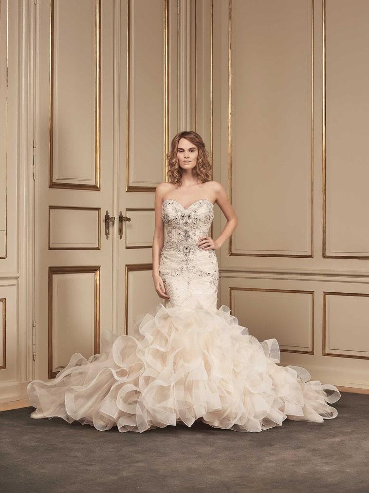 Havfrue brudekjole med stort tyl skørt
