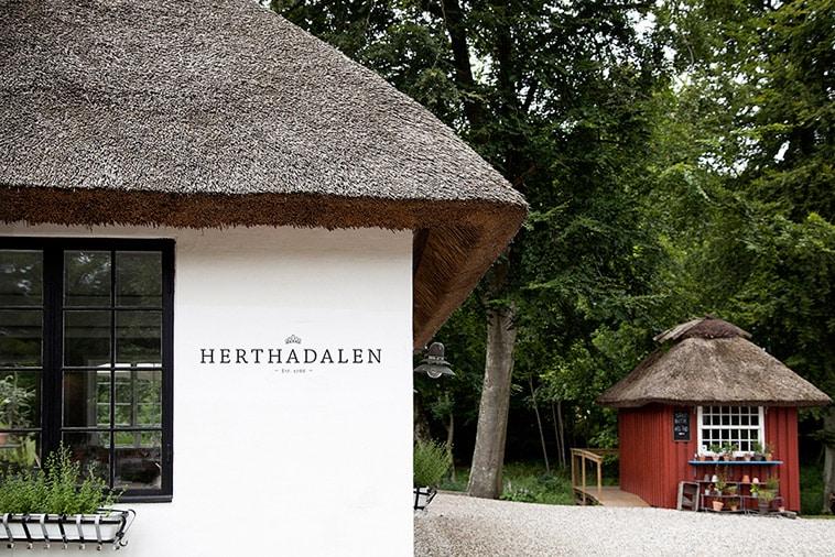 herthadalen-hovedhus-og-gårdbutik